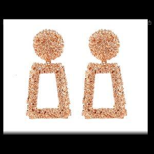 Jewelry - Rosegold Metal Tone Geometric Dangle Earrings